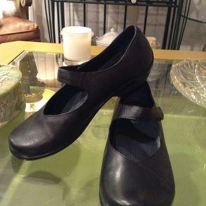 """LIKE NEW"" Dansko Black Leather mary janes Clogs,"
